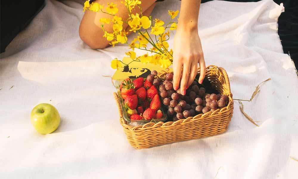 Conoce los alimentos blanqueantes como la manzana, las fresas, el brócoli o la piña