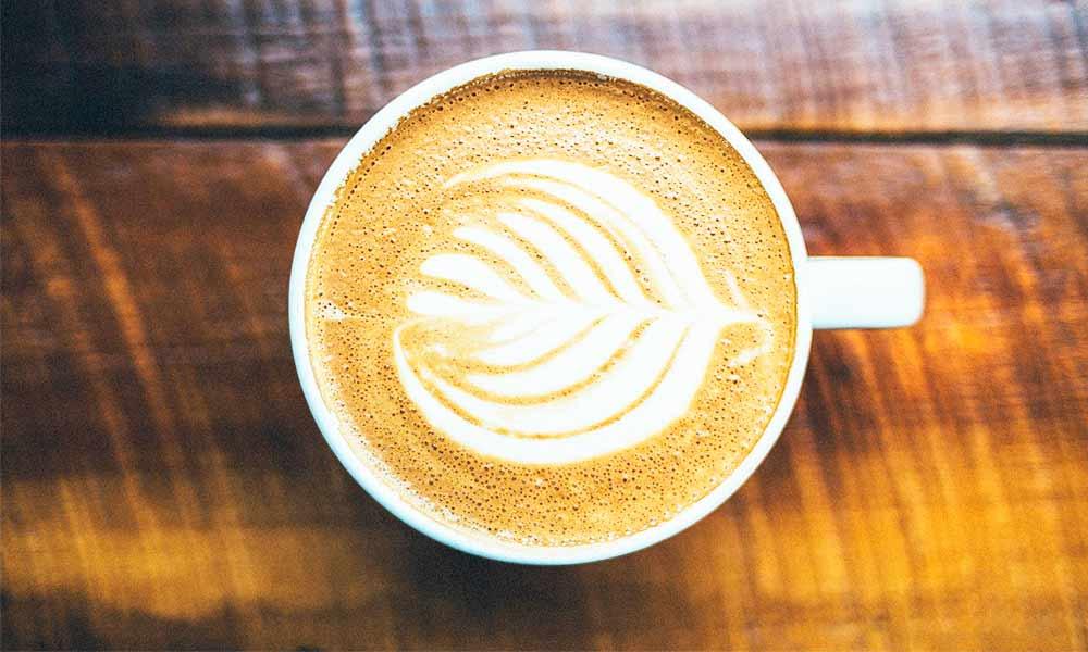 Descubre los alimentos prohibidos en la dieta blanca como el café, los cítricos y verduras como las alcachofas o las espinacas