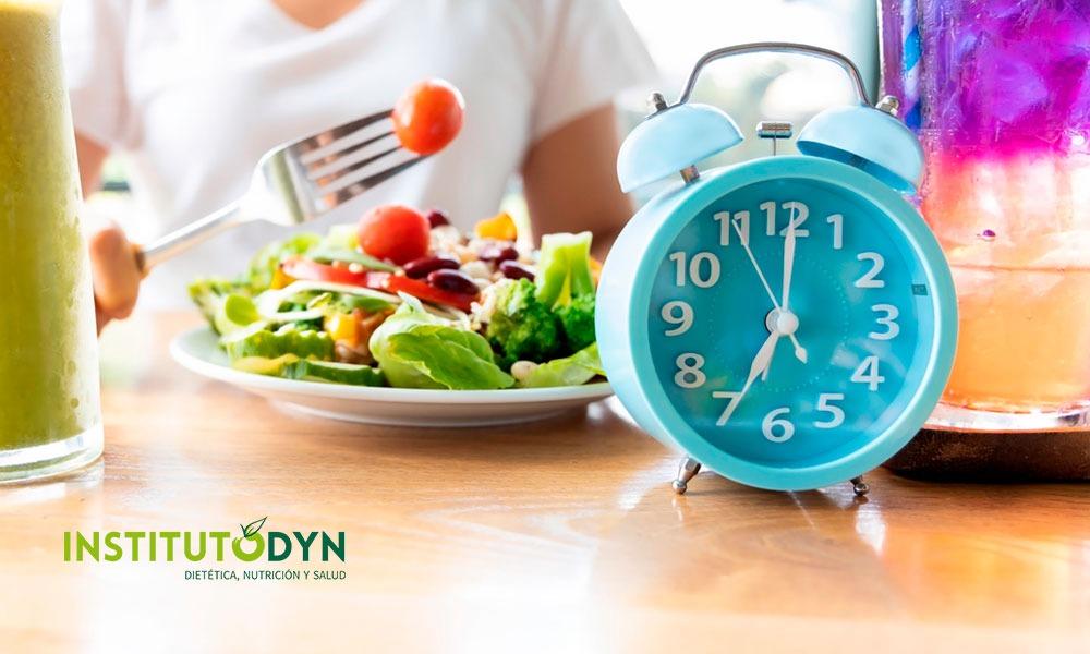 Ayunar 12 horas: ¿tiene beneficios para la salud?