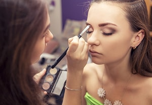 169b8d9a3 Máster en Maquillaje Profesional - Instituto DYN