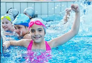 curso-discapacitaciones-en-natacion