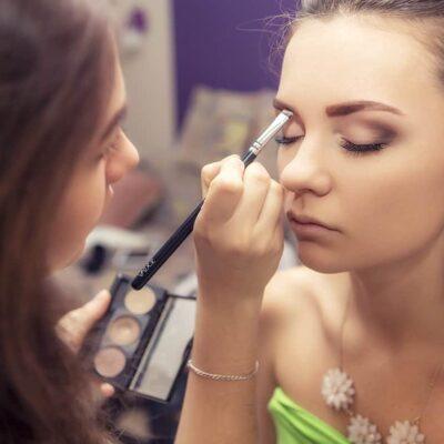 Estudiar el Máster en Maquillaje para conocer las mejores técnicas de cosmética y caracterización