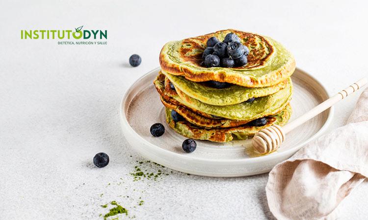 Descubre las tortitas con té matcha y otras recetas con este ingrediente terapéutico